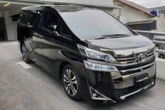 Esia-Rentcar-Toyota-Vellfire-1