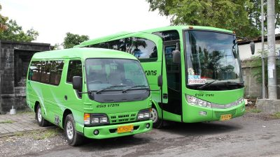 Bus 28 Seats